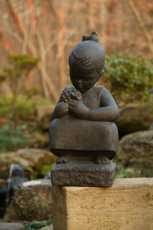 Summer Garden Statue-1189