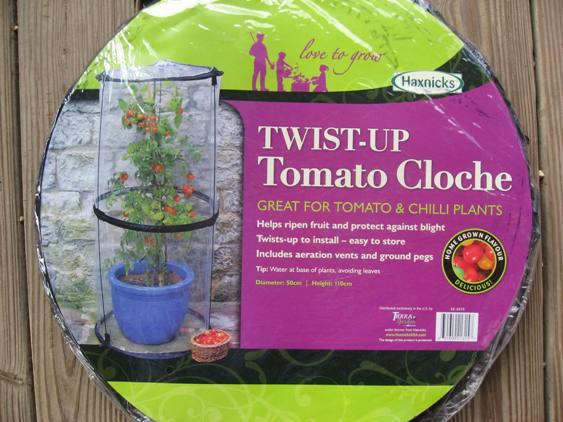 Twist Up Tomato Cloche-0